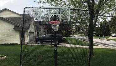 Model #BFFITSTEPINBL10. Basketball backstop net. 10' high x 12' wide.